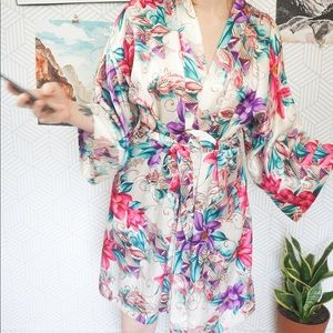 Vintage Floral satin Poly wrap robe